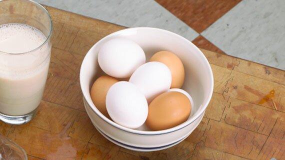 Молоко и яйца для роста мышц